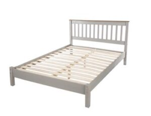 4' 6'' SLATTED GREY LOWEND BEDSTEAD.