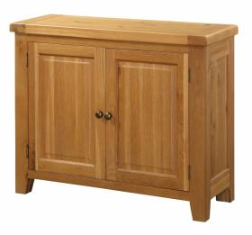 BROCTON SOLID OAK 2 DOOR SIDEBOARD.